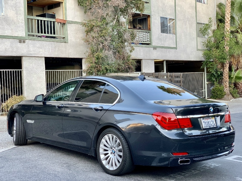 BMW 7-Series 2011 price $11,995