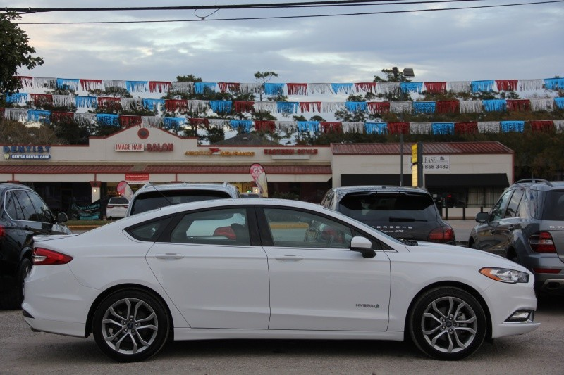 Ford Fusion 2017 price $16,890