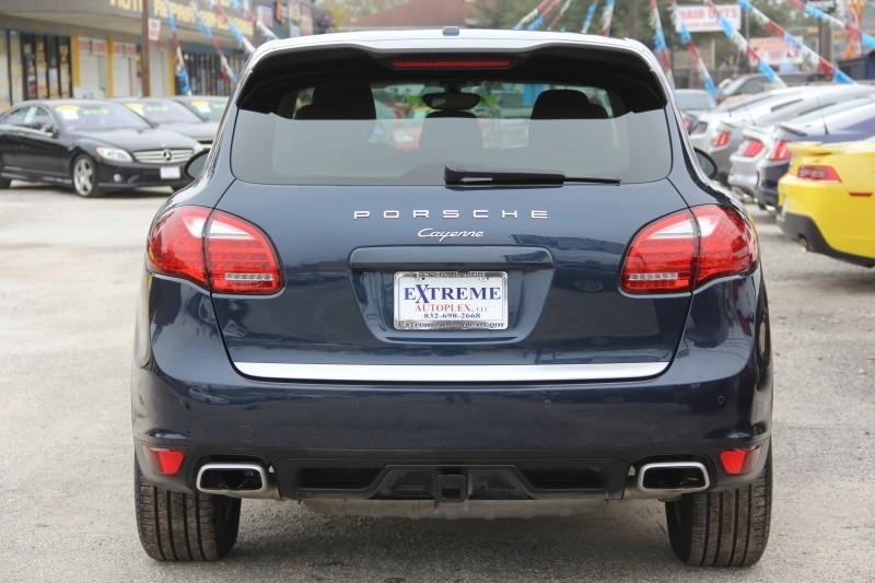 Porsche Cayenne 2014 price $30,890
