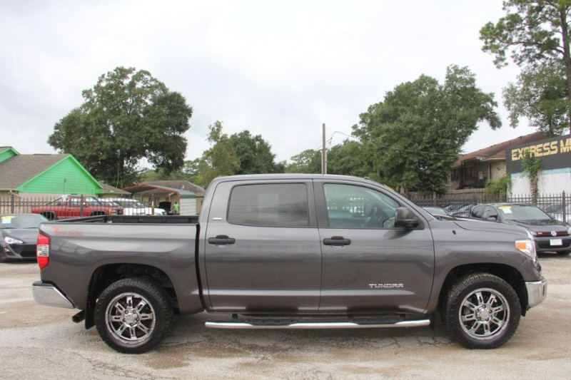 Toyota Tundra 2015 price $25,690