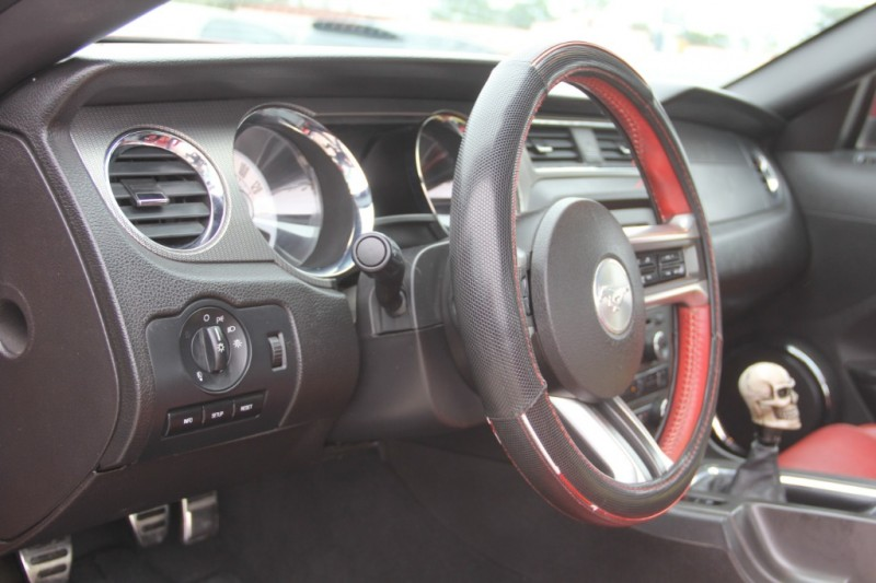 Ford Mustang 2010 price $9,890