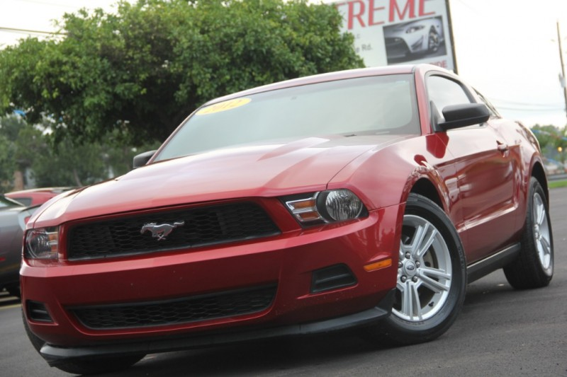 Ford Mustang 2012 price $8,890