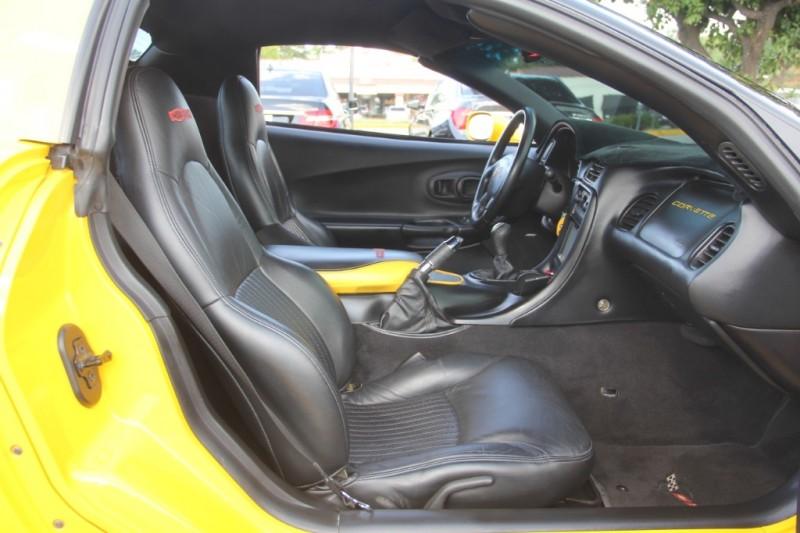 Chevrolet Corvette 2001 price $17,299