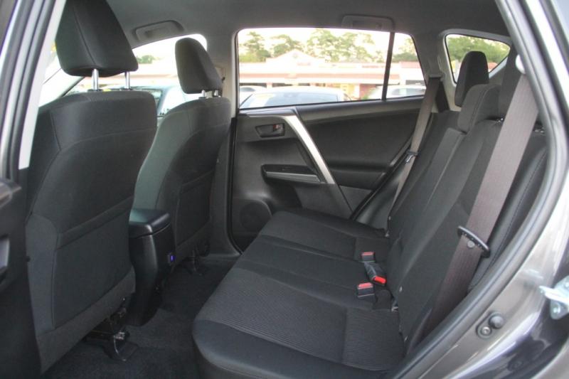 Toyota RAV4 2018 price $21,699