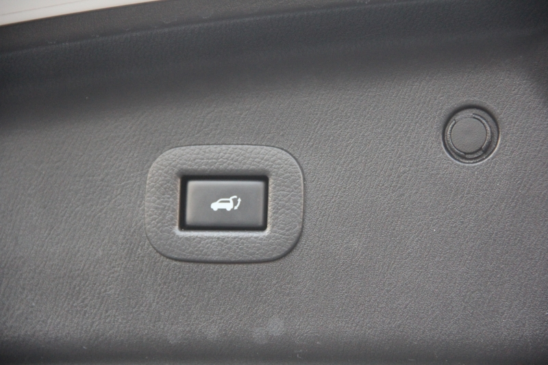 Infiniti QX 56 2012 price $21,890