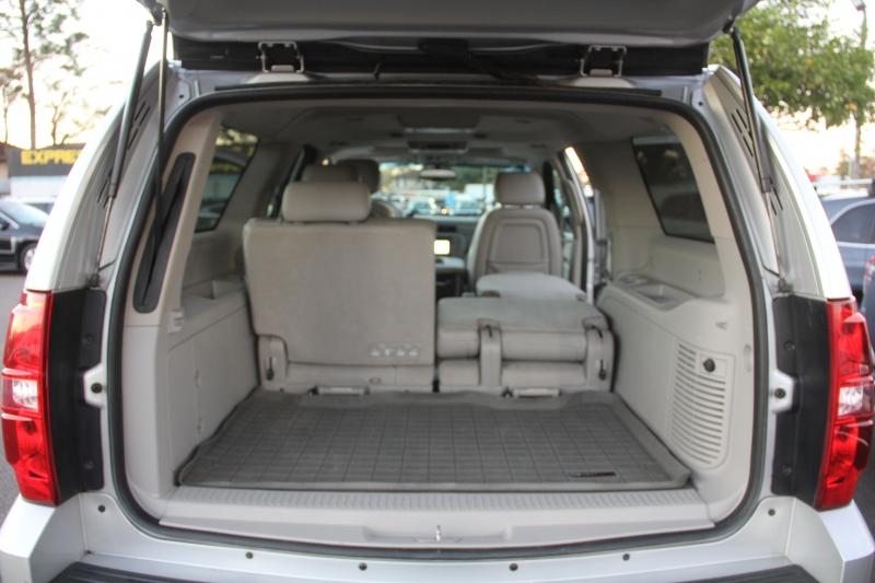 Chevrolet Suburban 2012 price $14,890