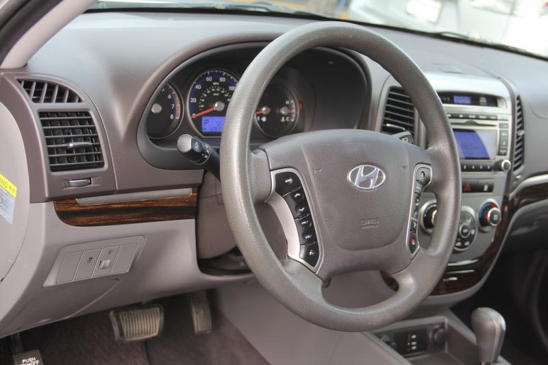 Hyundai Santa Fe 2011 price $6,990