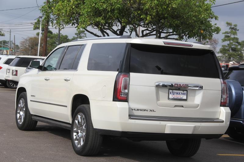 GMC Yukon XL 2015 price $29,890