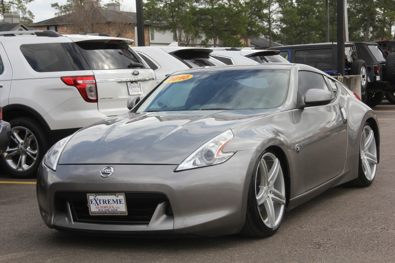 Nissan 370 Z 2010 price $12,890