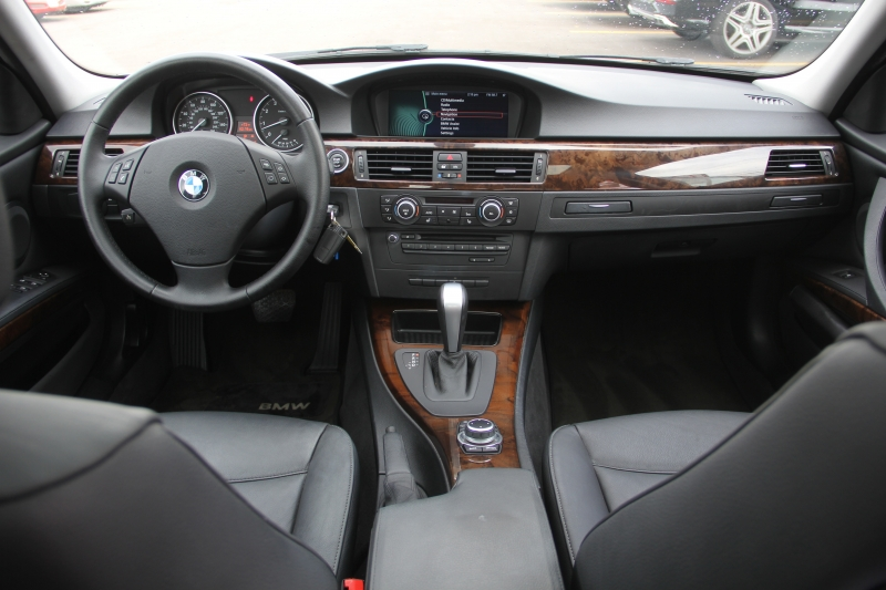 BMW 3-Series 2010 price $9,699