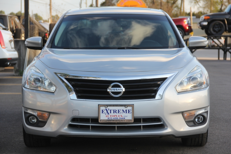 Nissan Altima 2015 price $11,499