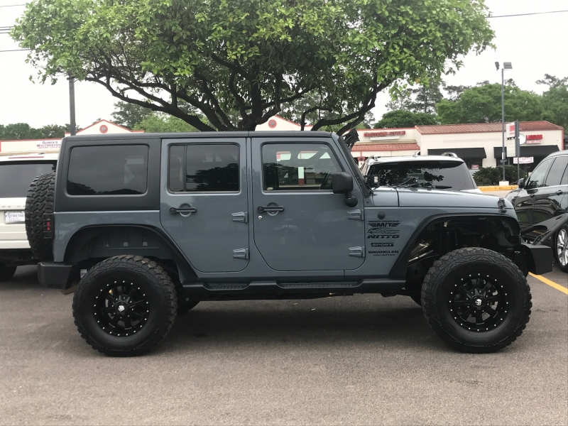 Jeep Wrangler Unlimited 2014 price $21,890