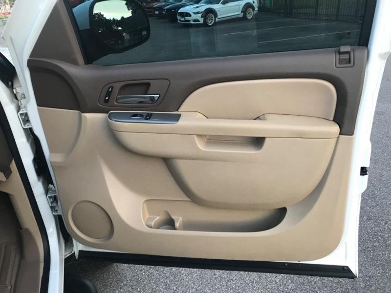 Chevrolet Suburban 2011 price $14,890