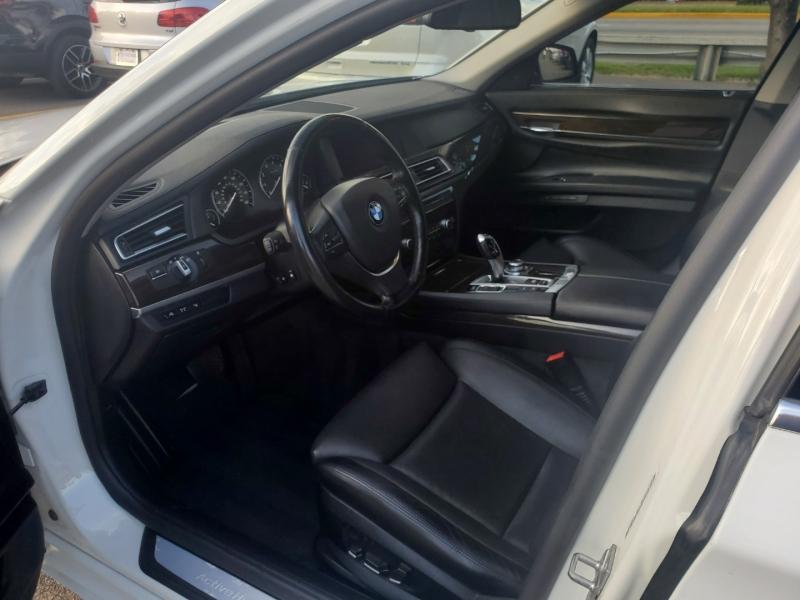 BMW 7-Series 2012 price $19,890