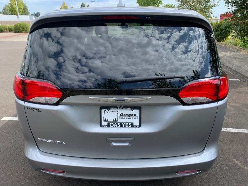 Chrysler Pacifica 2017 price $23,995