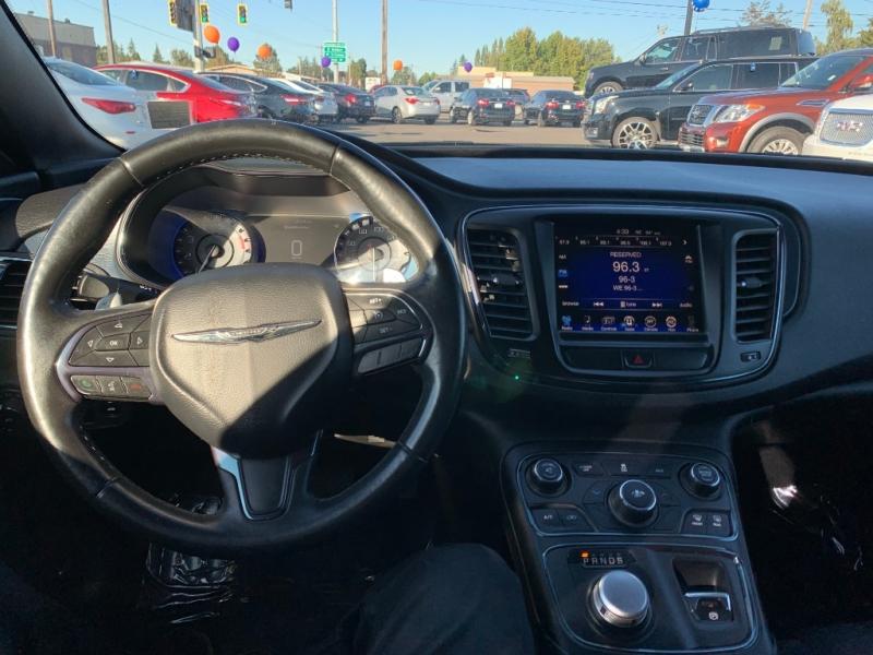 Chrysler 200 2016 price $14,995