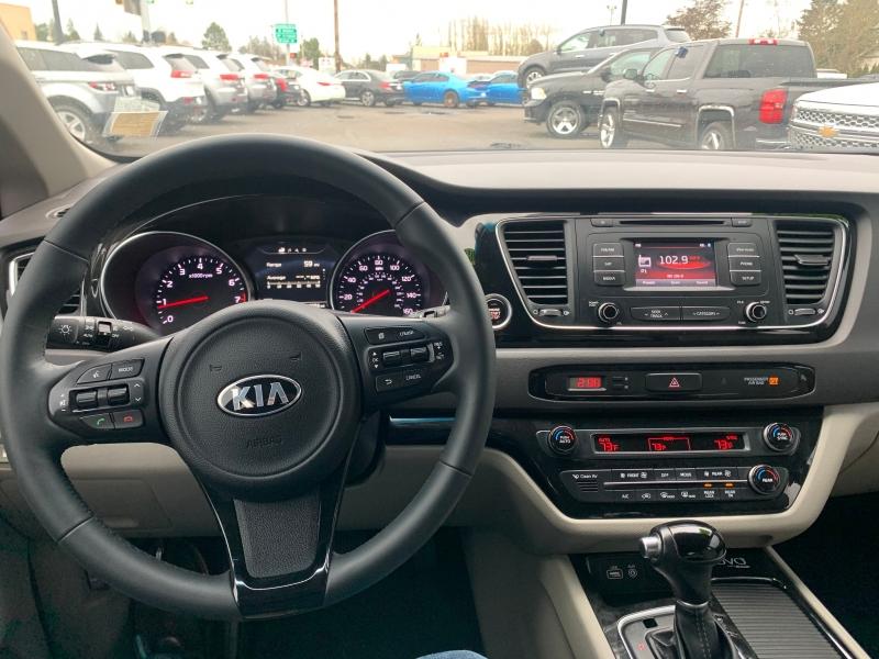 Kia Sedona 2015 price $15,995