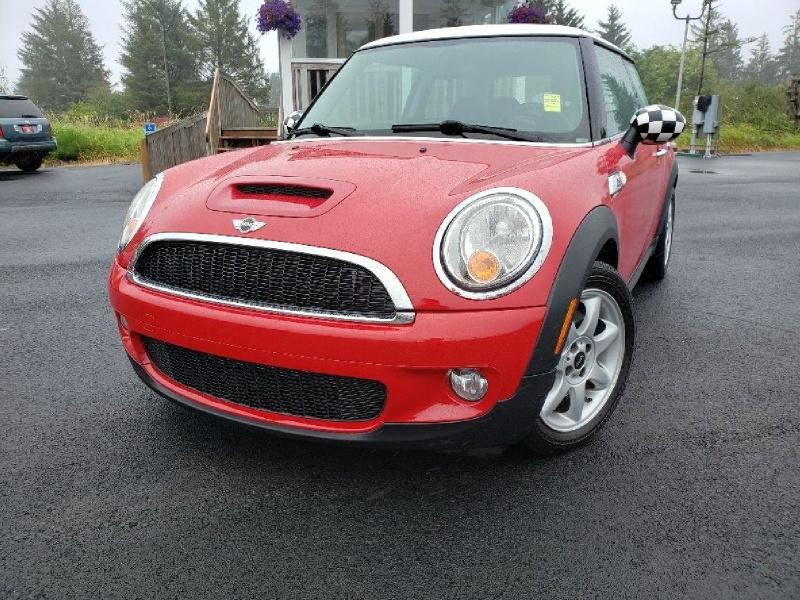 Mini Cooper Hardtop 2010 price $6,900