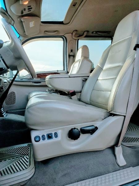 Ford Super Duty F-350 SRW 2004 price