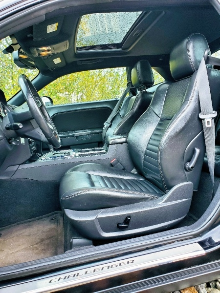 Dodge Challenger 2009 price $11,900