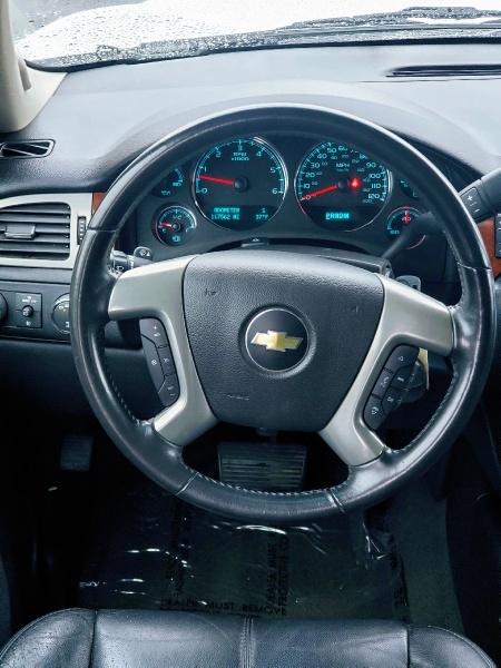 Chevrolet Suburban 2014 price $18,900