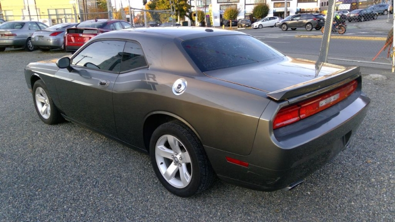 DODGE CHALLENGER 2010 price $15,995