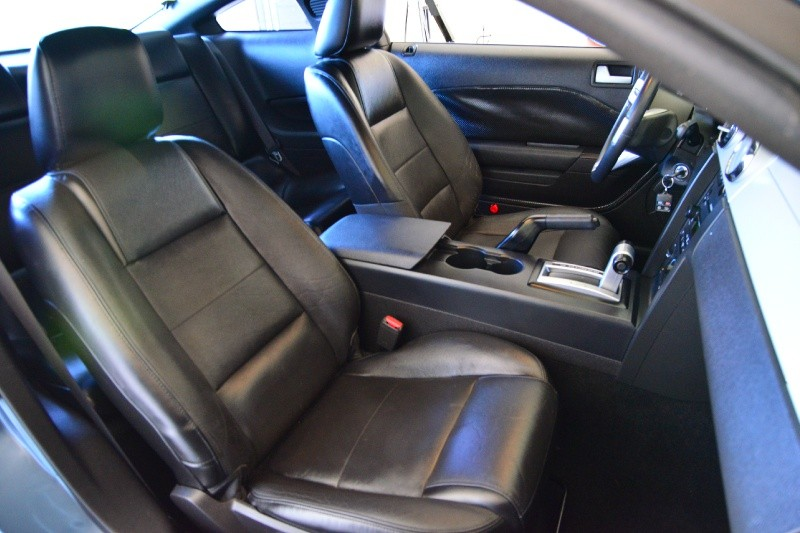 Ford Mustang 2007 price $9,900
