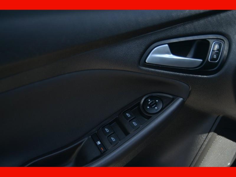 Ford Focus 2018 price $15,661
