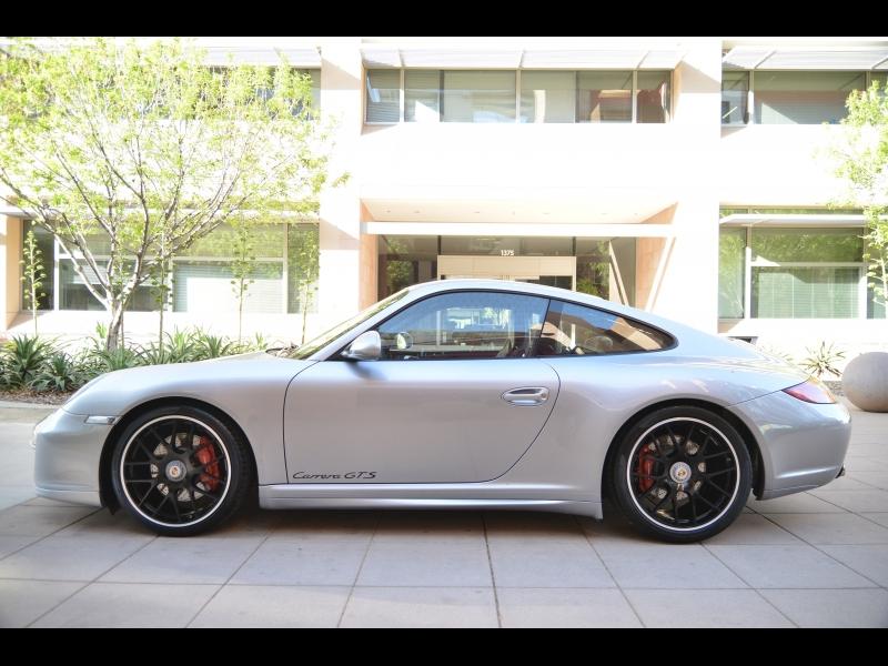Porsche 911 2011 price $72,888