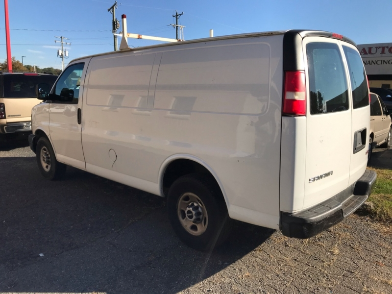 GMC Savana Cargo Van 2009 price $6,495