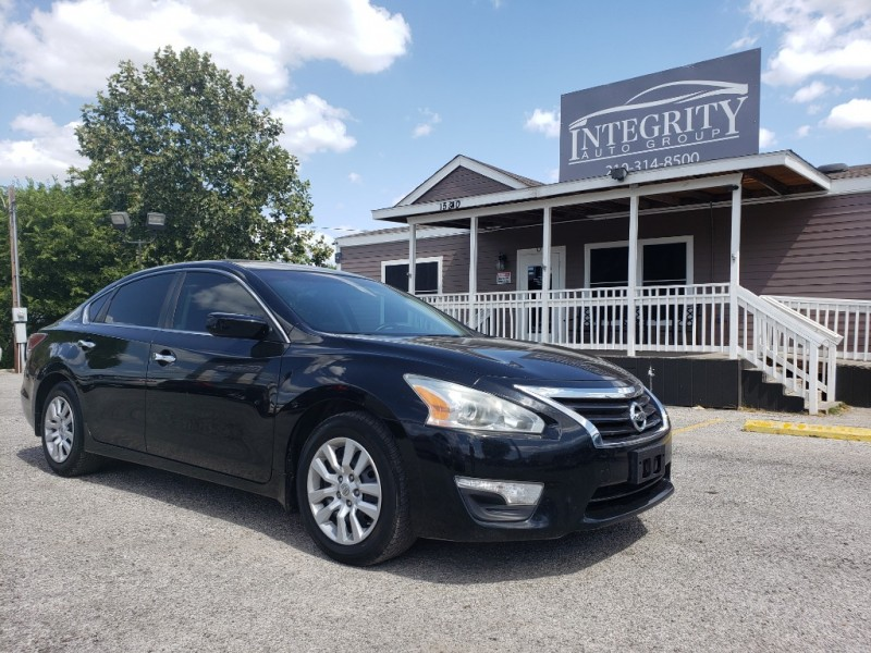 Nissan Altima 2015 price $8,477 Cash