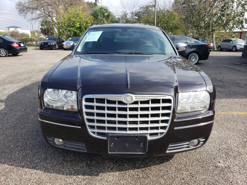 Chrysler 300 2010 price $6,200 Cash
