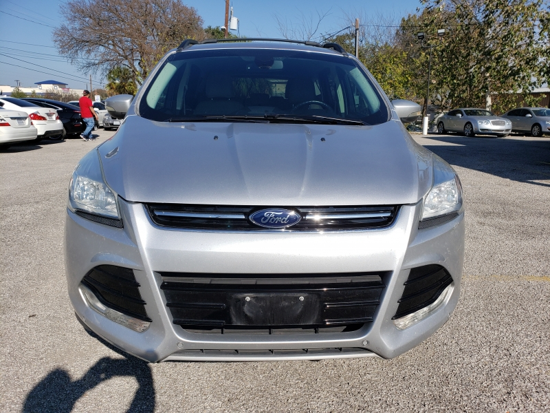 Ford Escape 2013 price $9,477 Cash