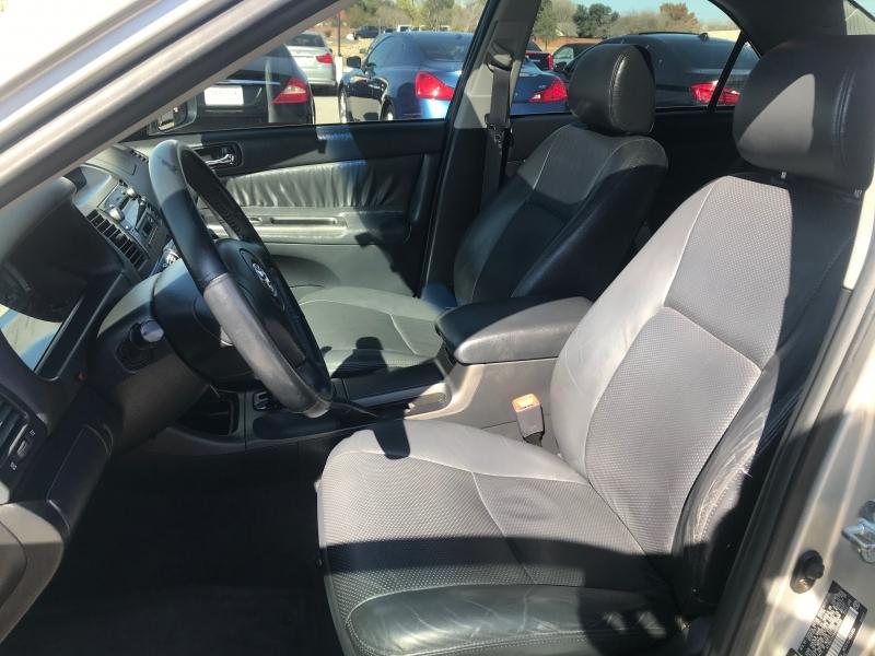Toyota Camry 2004 price $6,277 Cash