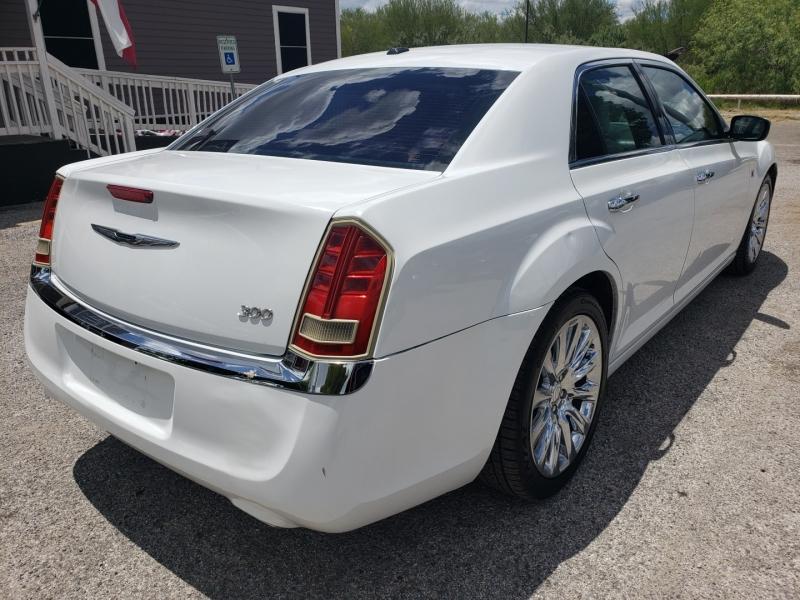 Chrysler 300 2013 price $9,277 Cash