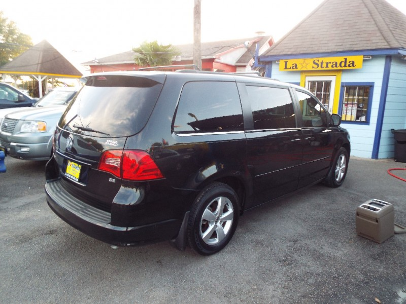 Volkswagen Routan 2011 price $995* DOWN