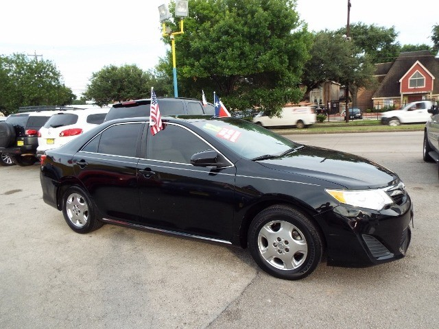 Toyota Camry 2012 price $6995* CASH ONLY