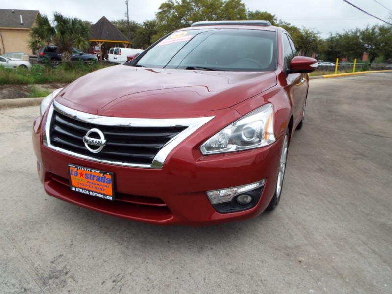 Nissan Altima 2014 price $995* DOWN