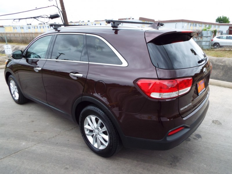 Kia SORENTO 2016 price $995* DOWN