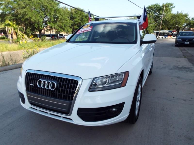 Audi Q5 2011 price $795* DOWN