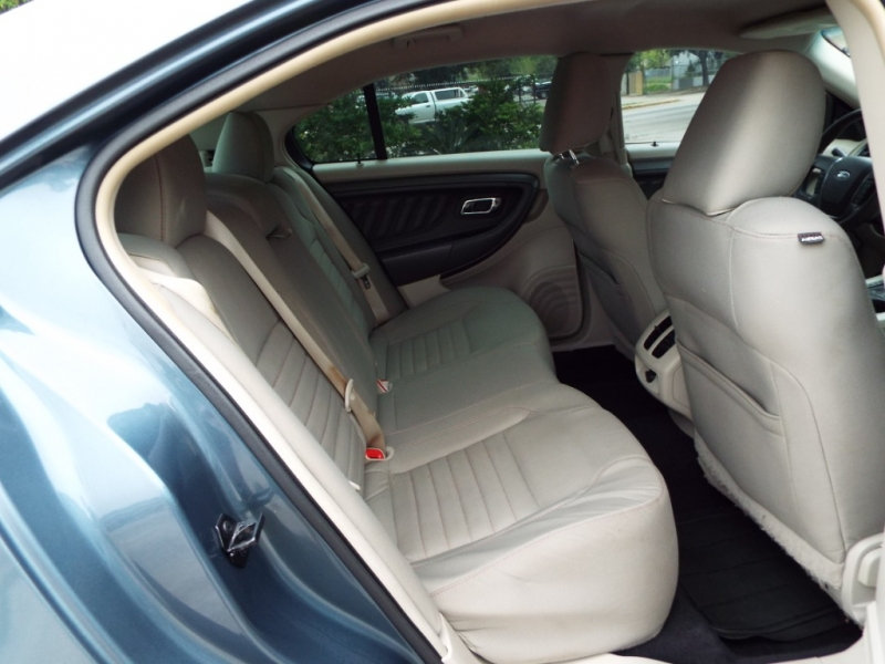 Ford Taurus 2010 price $4995* CASH ONLY