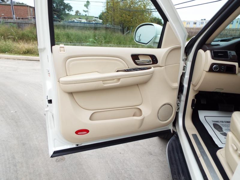 Cadillac Escalade 2007 price $1495* DOWN