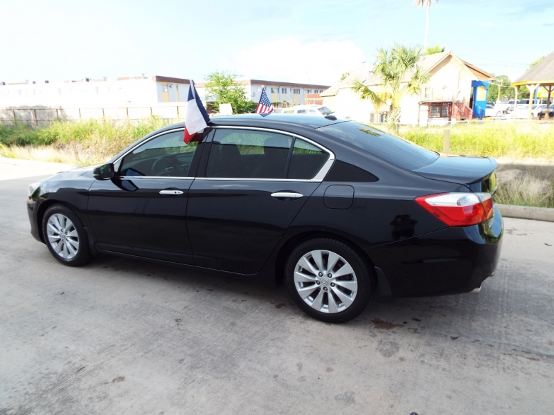 Honda ACCORD 2015 price $1795* DOWN