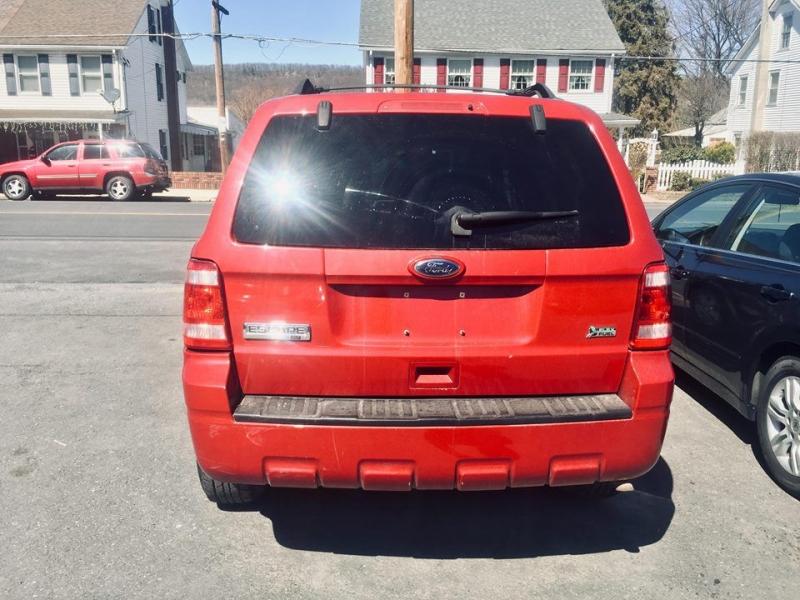 Ford ESCAPE 2011 price $1,400 Down
