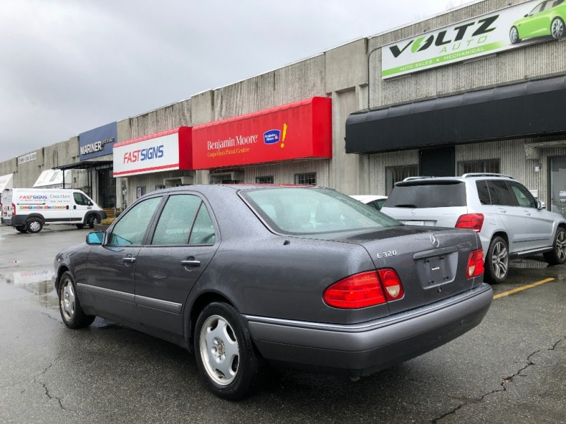 Mercedes-Benz E320 1996 price $1,995