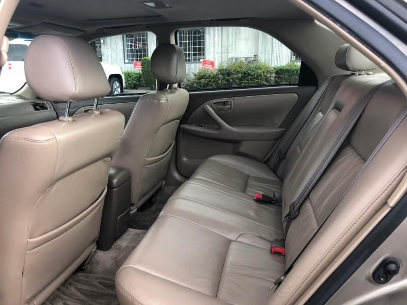 Toyota Camry 1999 price $995