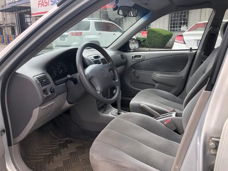 Toyota Corolla 2001 price $795