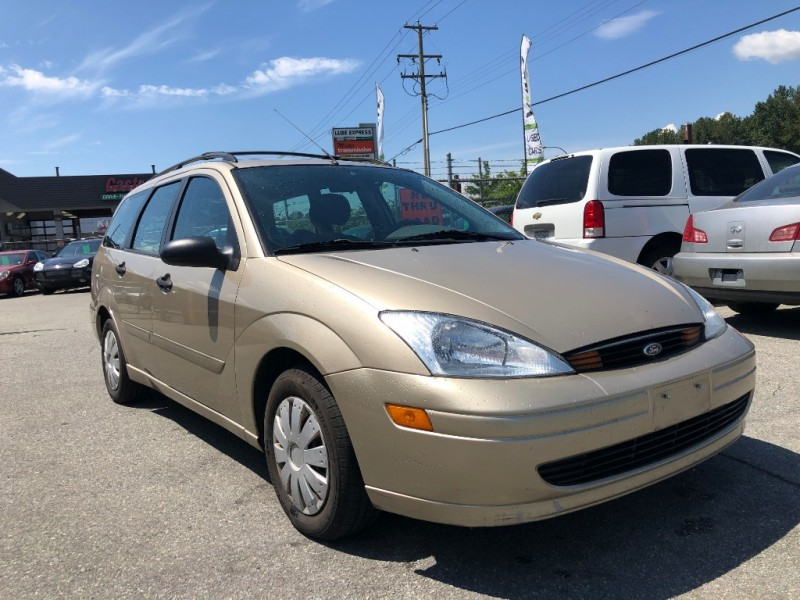 Ford Focus 2000 price $900