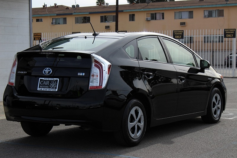 Toyota Prius FOUR 2015 price $16,888
