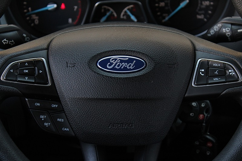 Ford Focus 2018 price $12,998
